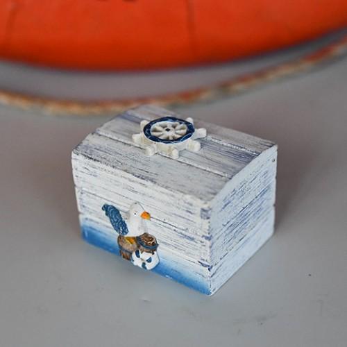 Marin inredning låda i trä - billig inredning