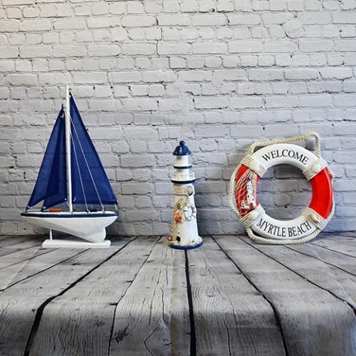 Inredning båt, 1st Fyr / Lighthouse i Trä - vinga fyr