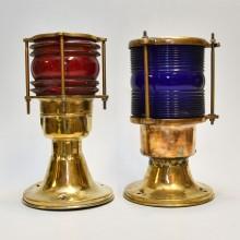 Gate brass lamp red green