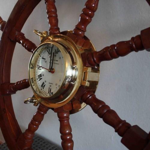 Stor Båtratt i trä - Klocka