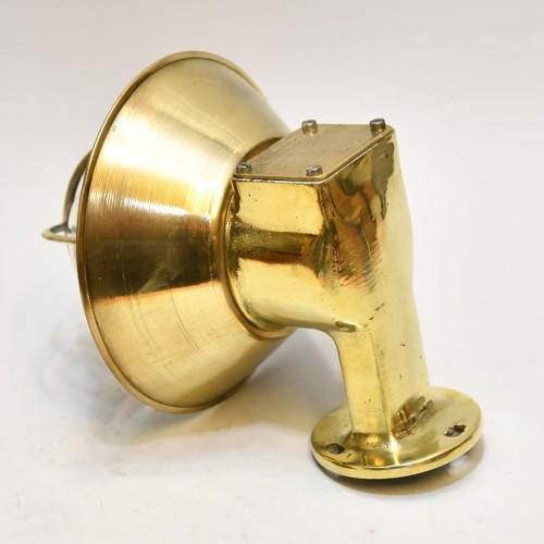 Vägglampa med mässing kupa - utomhusbelysning marin stil