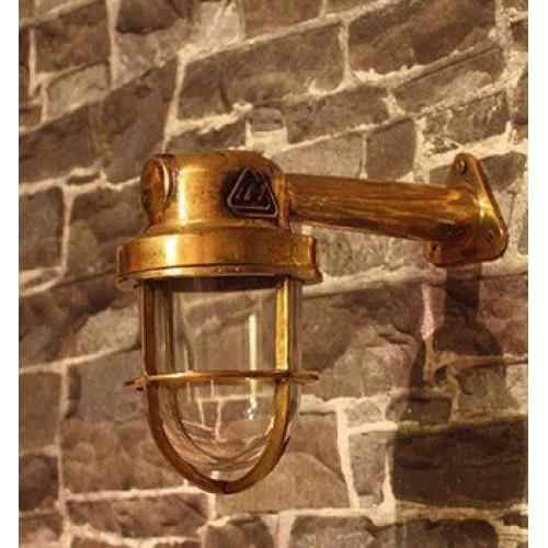 Glazed wall lamp in brass - ship light