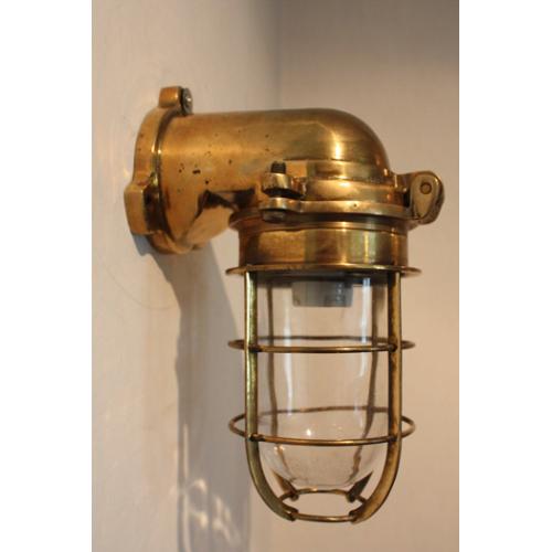 Marin inredning - Gallerlampa i mässing