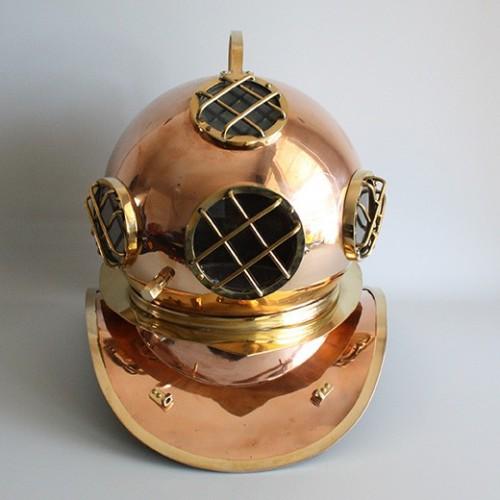 Replica diving helmet in Copper - Marine interior design