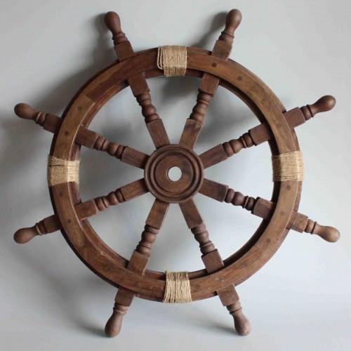 Vintage boat steering wheel - Outdoor nautical decor